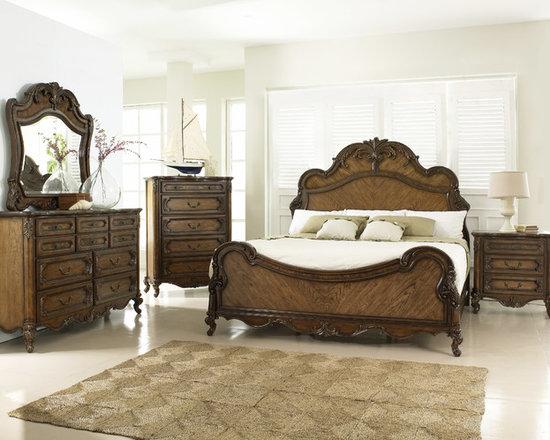 """""""Rochelle"""" Collection Fairmont 6-piece Bedroom Set -"""
