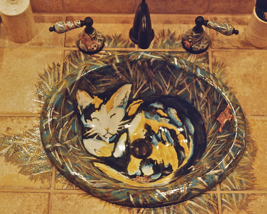 Roman Shower Design with Cats - This customer wanted the roman shower design, and with her love for cats created a bathroom with beautiful cats all around the room, and even in her sinks.
