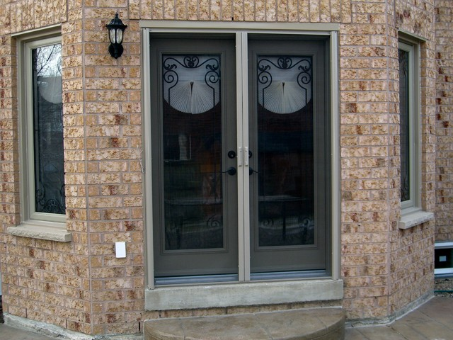 French door retractable screen screen doors toronto for Screen doors for french doors