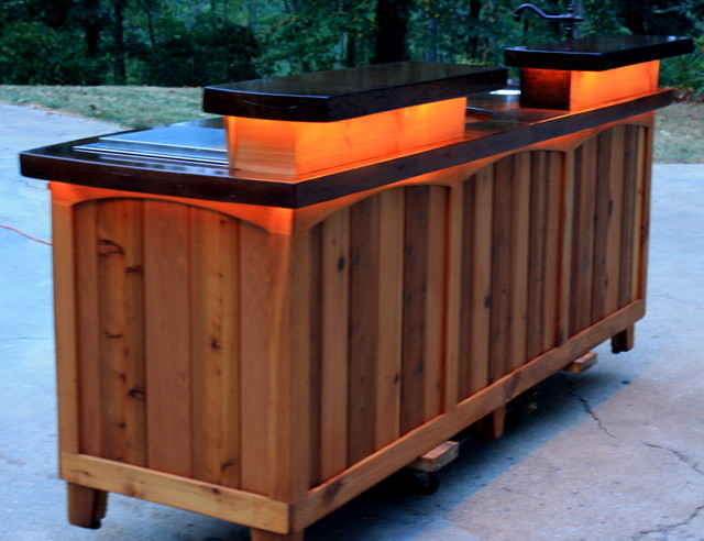 Cedar outdoor kitchen eclectic atlanta for Cedar outdoor kitchen cabinets