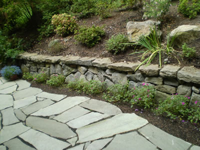 Retaining Walls landscaping-stones-and-pavers