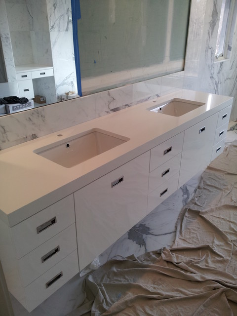 Kings Point Bathroom Vanities modern