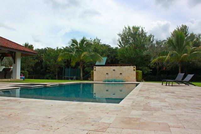 Parkland Florida Estate contemporary-pool