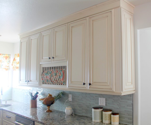 Diamond Plate Rack - Traditional - Kitchen - other metro - by MasterBrand Cabinets, Inc.
