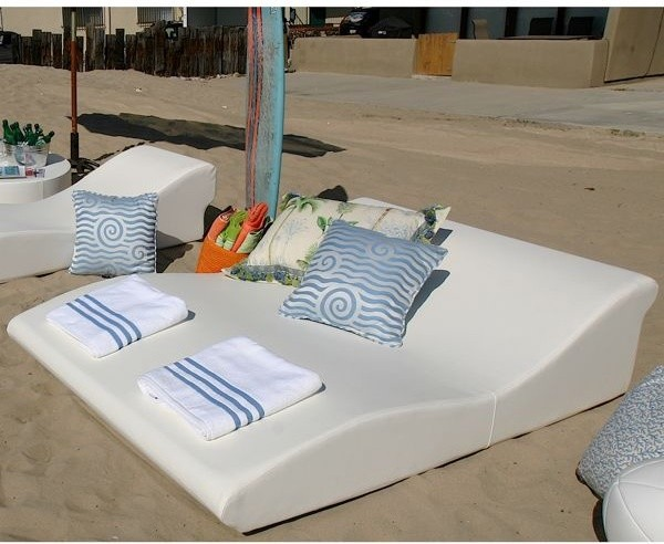 Modern outdoor chaise lounge chair outdoor-chaise-lounges