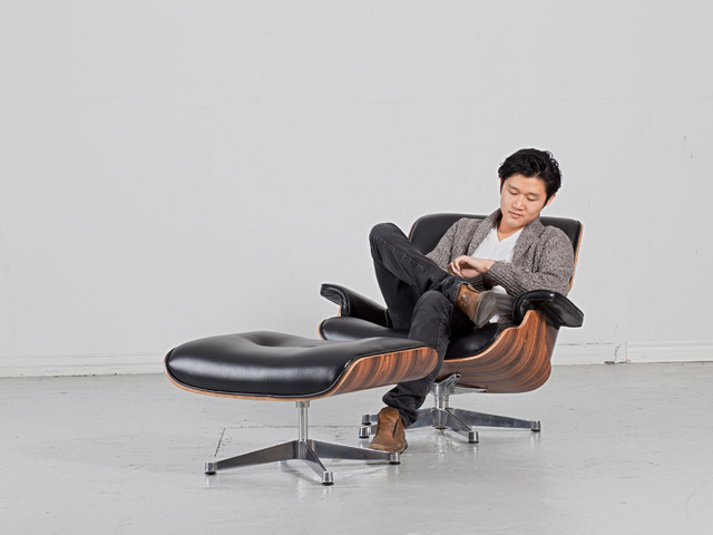 Eames lounge chair ottoman replica modern armchairs for Imitation chaise eames