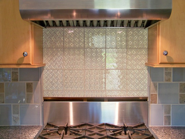 kitchen tile by Modono Glass