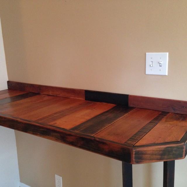 Reclaimed pallet wood breakfast bar rustic indoor for Reclaimed wood furniture bend oregon