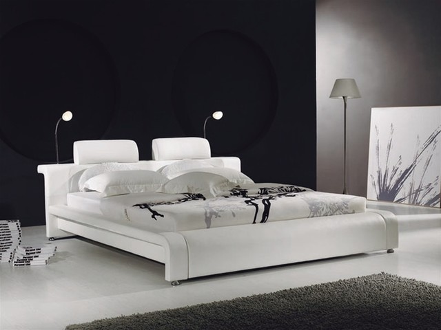 Modern White Leather Bed 640 x 480