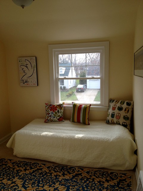 Lyndhurst Staging contemporary-bedroom