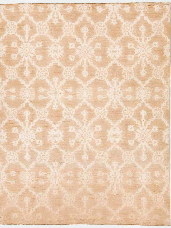 Rug Knots - Modern Oriental Rug without Borders Tan and White 8x10.3 - Bold white designs running across a rich tan background give this Modern Oriental rug a beautiful pattern. With the white design slightly raised higher than the background, this rug has additional character not found in many other types of rugs. The light colors found on this rug make it a great fit in a room with light colored walls and a dark floor