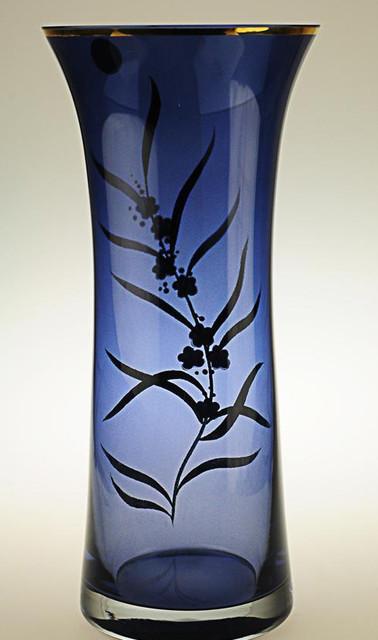 J&Q Blue Crystal Flower Vase traditional-vases