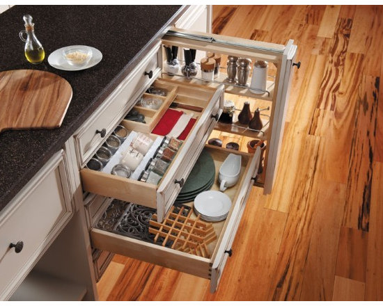Getting Organized with Fieldstone Cabinetry - Customizable drawer inserts to keep you organnized
