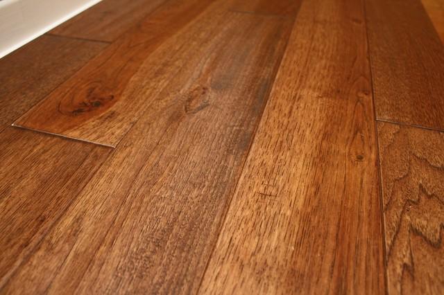 Hickory Wild 3 4 X 5 Quot Hand Scraped Solid Hardwood Floors