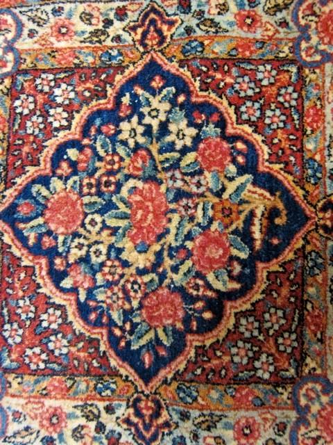 Detail - Antique Lilihan Mat traditional-rugs