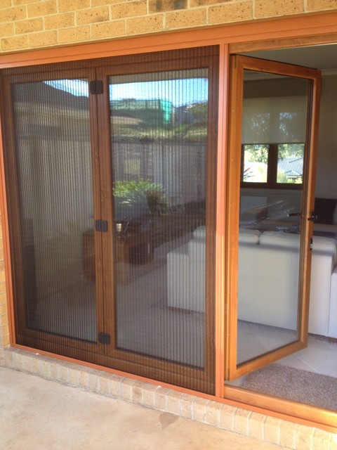 Patio doors with retractable screens retractable patio for Retractable patio doors