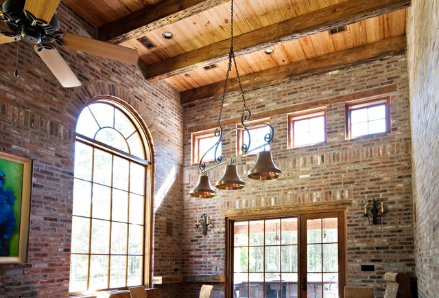 Forest Creek Retreat traditional