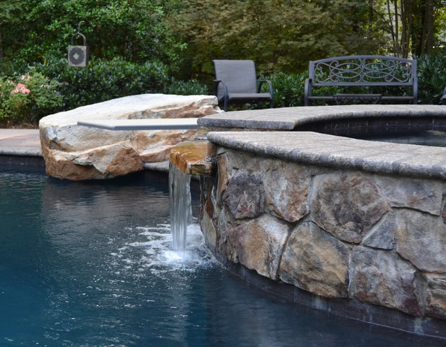 Gunston Residence traditional-pool