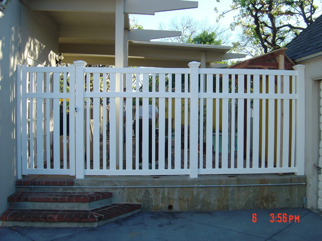 Closed Alternating Pickets Modern Home Fencing And