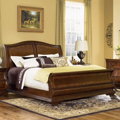 Rochelle Sleigh Bed Set traditional-beds
