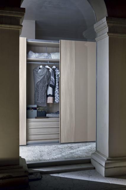 Custom made closets with sliding doors contemporary for Custom closet doors miami