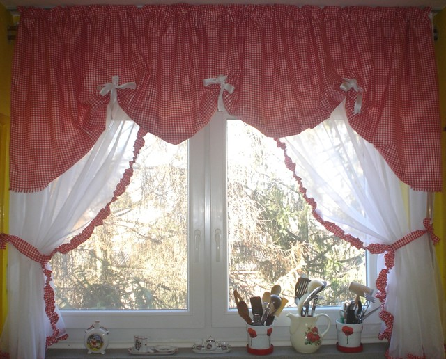 Kitchen curtain traditional