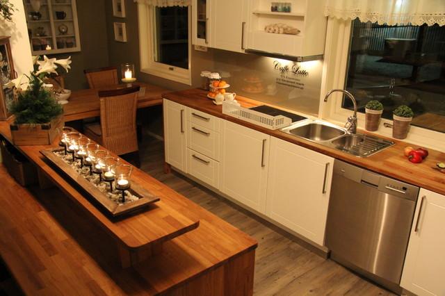 Tine og Tommi m/fam contemporary-kitchen