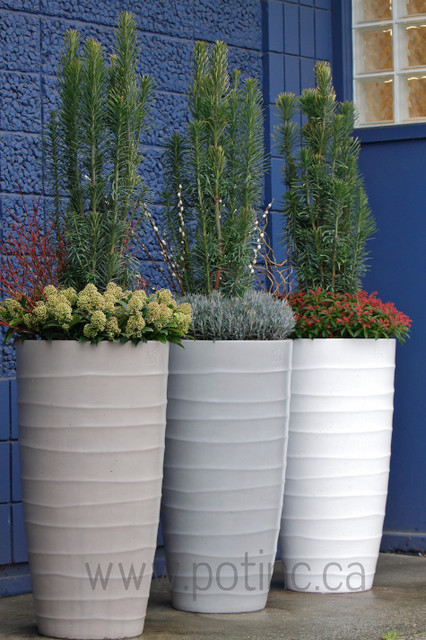 Bir Planter contemporary outdoor planters