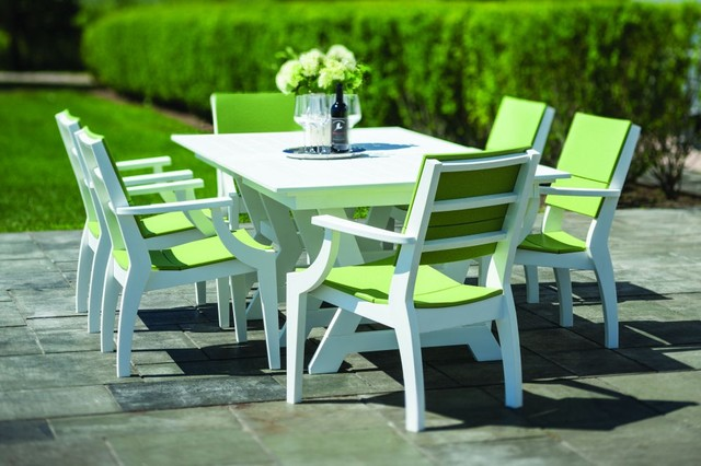 Seaside Casual Sym Dining Table and chairs Patio