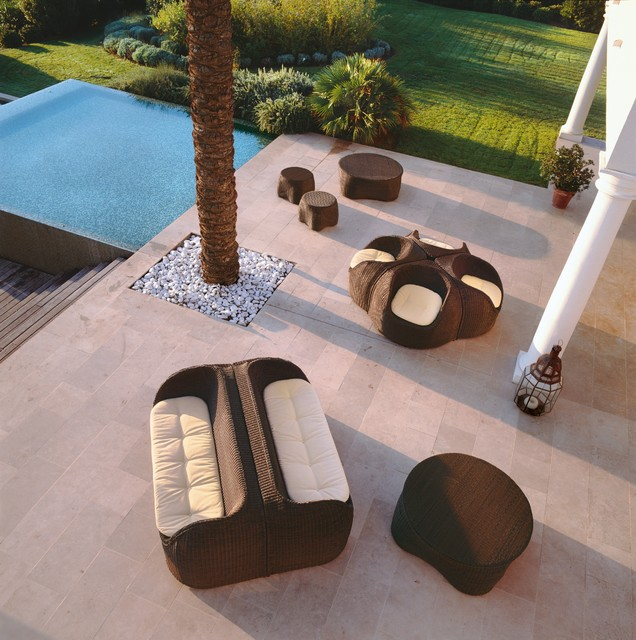 Roberti Rattan contemporary-outdoor-sofas