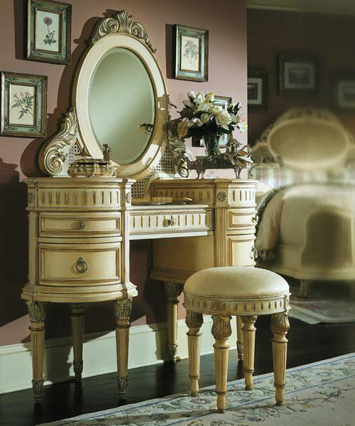 Dressing Table With Stool and Mirror traditional bedroom products