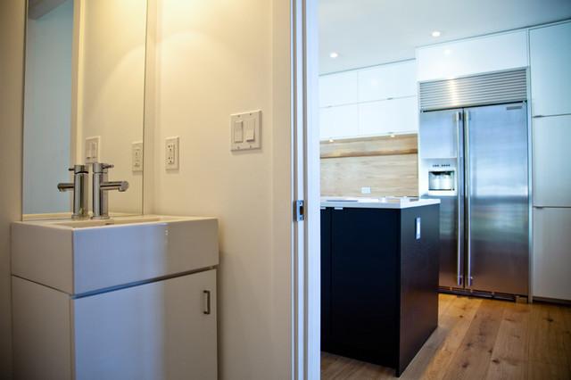Aspen contemporary-bathroom