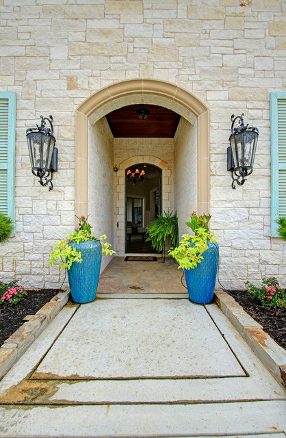 Monet drive traditional-exterior