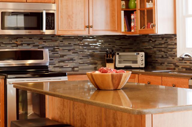 Natural Cherry Kitchen traditional-kitchen