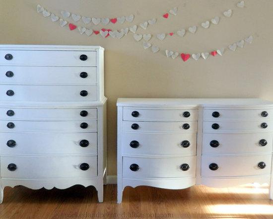 Hepplewhite Dressers in Swiss Coffee -