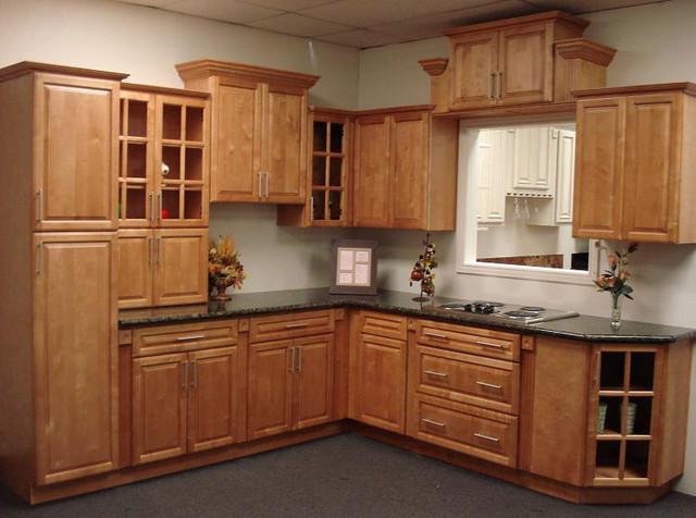 Cinnamon Maple Kitchen Cabinets Home Design  Traditional  Kitchen