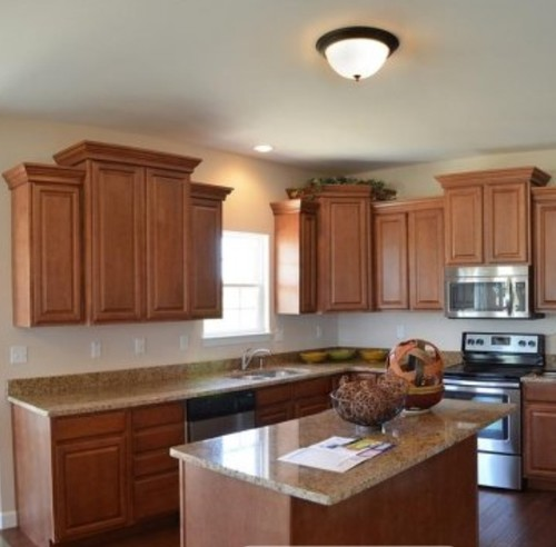 Kitchen Backsplash Maple Cabinets: Which Countertops, Backsplash, Etc. With Traditional