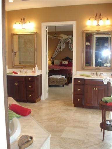 Zackary Residence traditional-bathroom