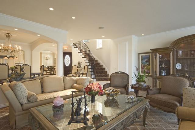 Lido Island traditional-living-room