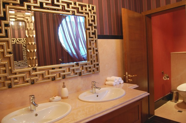 bathroom for gentlemen_mirror eclectic bathroom