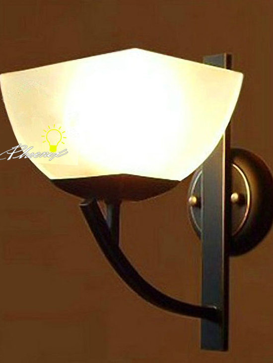 Anitque Iron Art and Glass Wall Sconce in Painted Finish - Anitque Iron Art and Glass Wall Sconce in Painted Finish