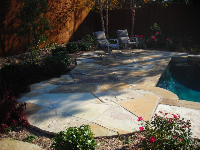 Masonry traditional patio