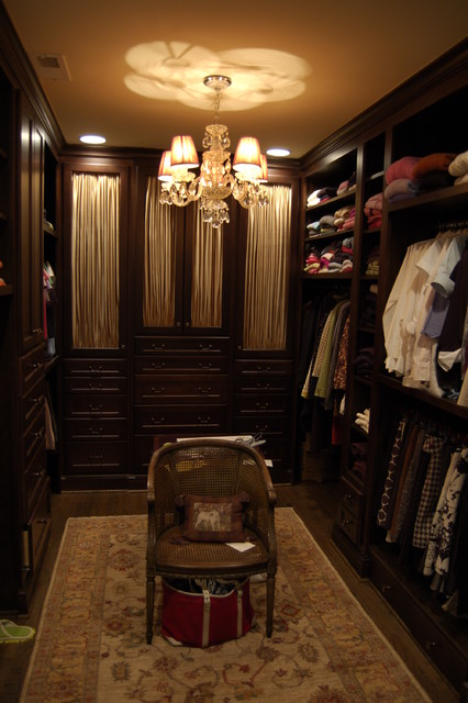Rostan Residence traditional-closet