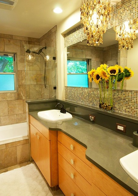 Mary-Dalaina Trotter modern-bathroom