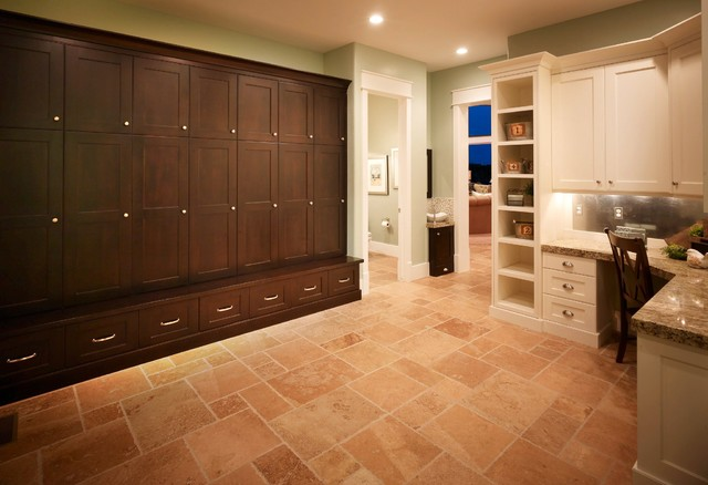 Mudroom traditional