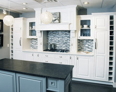 Transitional Cottage traditional-kitchen