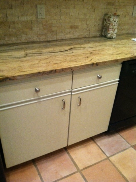 Painting kitchen cabinets for Can you paint formica kitchen cabinets