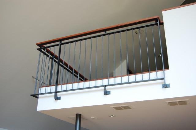 Balcony railings - Modern balcony railing design ...