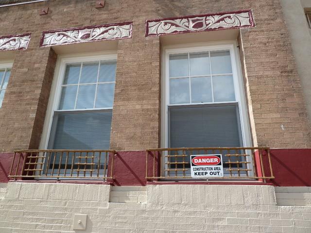 Waldorf Apts- Window Replacement traditional-windows