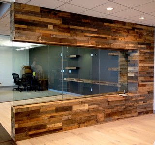 Recycled pallet and reclaimed wood paneling - Craftsman - Wall Decor ...